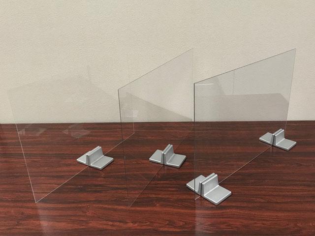 飛沫防止パネル固定金具「フリーパネル・ベース」使用例2:使用する板厚を気にする必要なく使用可能
