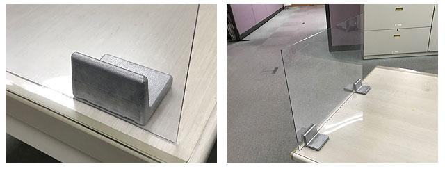 飛沫防止パネル固定金具「フリーパネル・ベース」使用例4:パネルとの接着に加え、デスク・テーブル面ともに両面テープ接着をする場合は1個でも使用可能